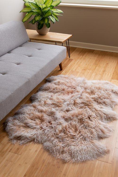Overland 4-Pelt (4' x 6') Tibetan Lamb Fur Rug