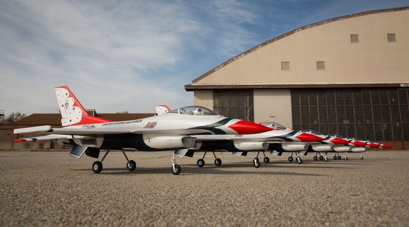 Grafik für F-16 Thunderbirds 70mm EDF BNF Basic w/AS3X and SS in Tower Hobbies EU