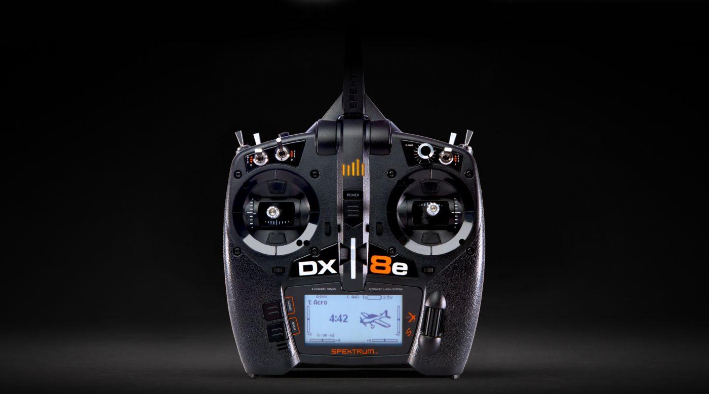 Grafik für DX8e 8-Kanal Fernsteuerung, nur Sender in Tower Hobbies EU