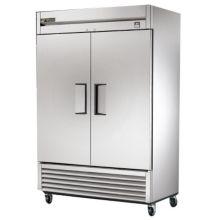 True® TS-49F Reach-In 2-Section Solid Swing Door 49 Cu Ft Freezer